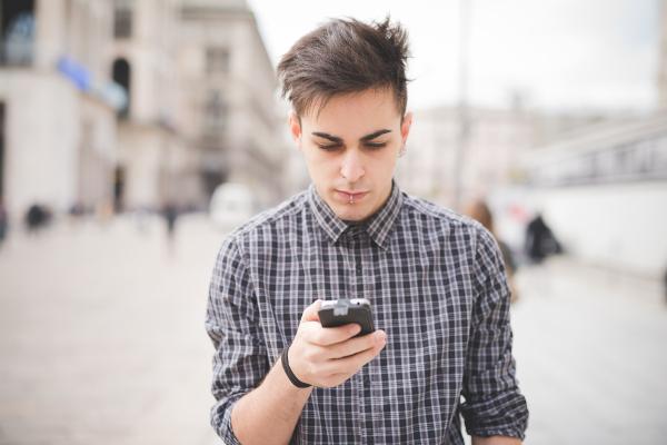 современные мобильные телефоны Хайскрин.jpg